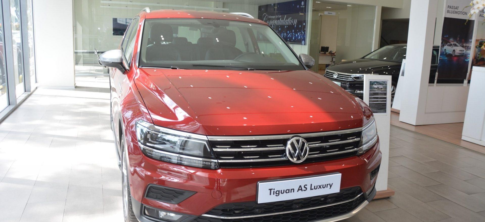 gia-xe-tiguan-luxury-2020-mau-do