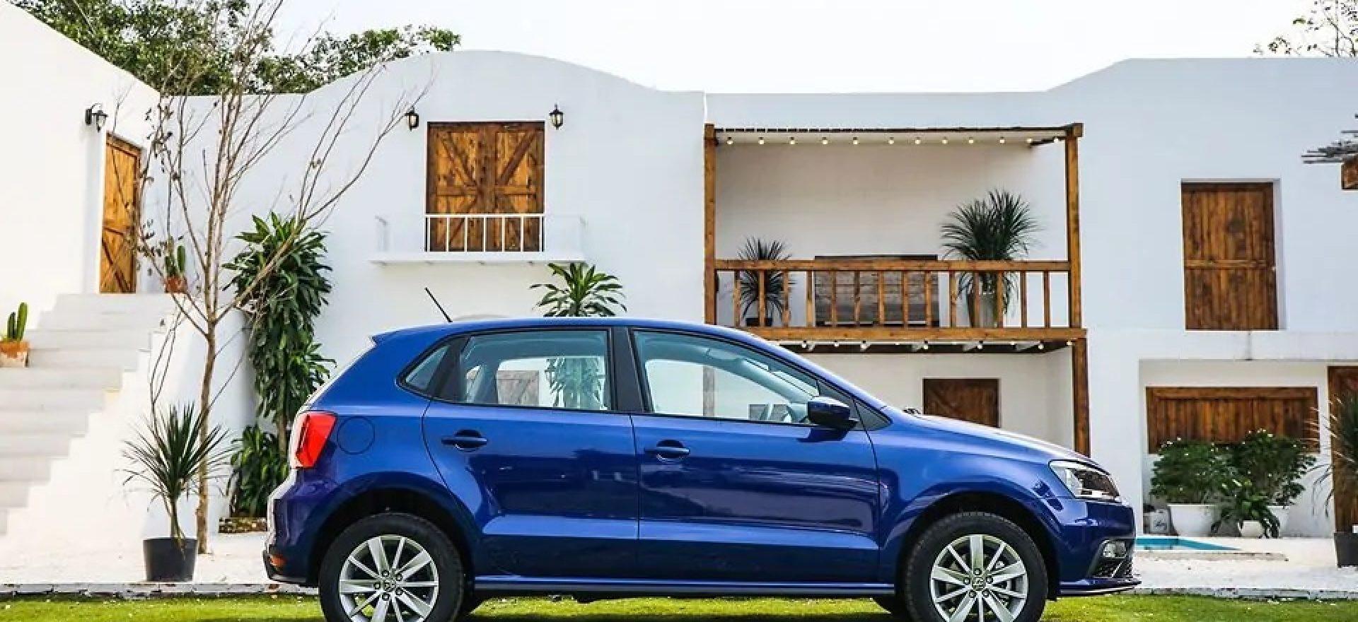 polo-hatchback-xanh-duong-9910511.jpg